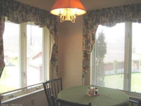 Glen Ridge Active Adult Community - Sample Dining Room