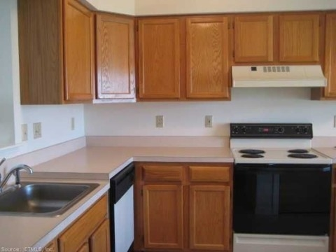 Glen Ridge Active Adult Community - Sample Kitchen